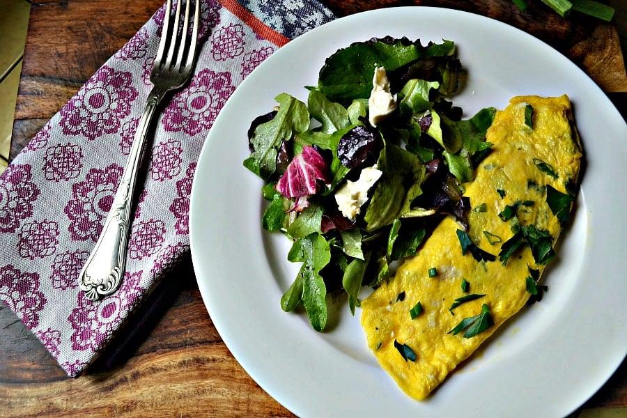 Julia Child's Omelette Roulee