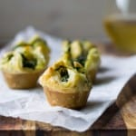 Spinach-Asparagus Mini Puff Pastry Bites