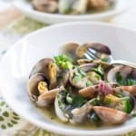 Clams in Green Sauce (Almejas en Salsa Verde) for Tapas #SundaySupper