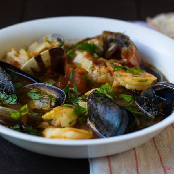 Cioppino (Italian Seafood and Tomato Stew)